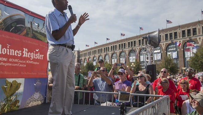 Republican presidential candidate Ben Carson addressed a large crowd gathered Aug 16 for the Des Moines Register Political Soapbox at the Iowa State Fair.