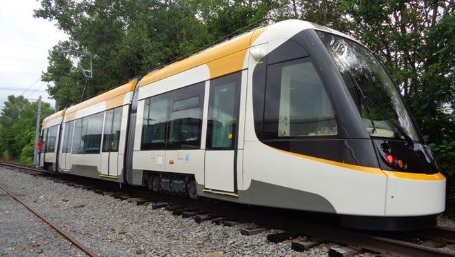 Cincinnati's  streetcar will begin live-power testing Tuesday.