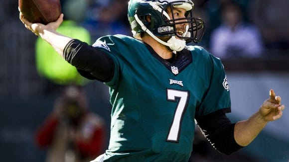 Sam Bradford completed 19 of 25 passes for 236 yards before leaving with a shoulder injury and concussion in the third quarter.