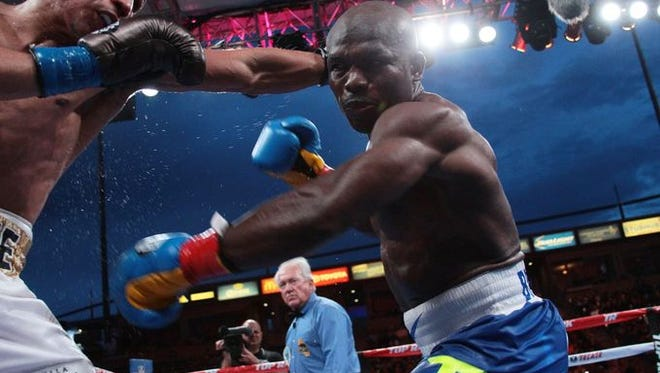 Timothy Bradley (right) and Jessie Vargas during their June 27 fight in Carson.