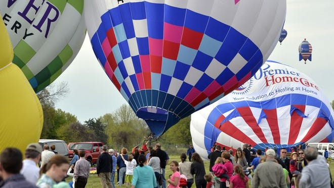 The The Great Balloon Race, part of the Kentucky Derby Festival. (2015)