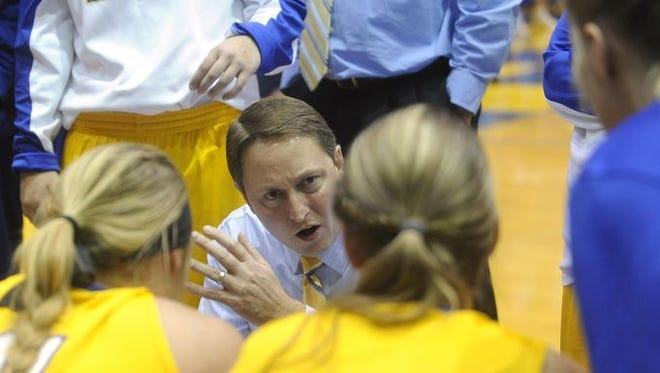 SDSU coach Aaron Johnston