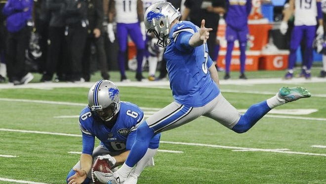 Matt Prater's 40-yard field goal as time expired gave the Detroit Lions a 16-13 win over the Minnesota Vikings.