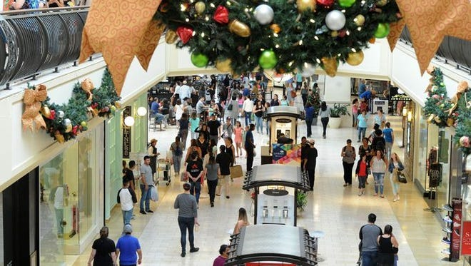Thousand Oaks' economy remains strong, the city's economic development manager told the City Council this week. Haider Alawami said the city's sales tax revenue has in general risen over the past decade. He said The Oaks shopping center reported a strong 2017 holiday shopping season.