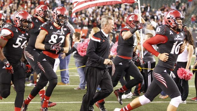 After several cold-weather games recently, Tommy Tuberville hopes the bowl schedulers send UC to a warm site.