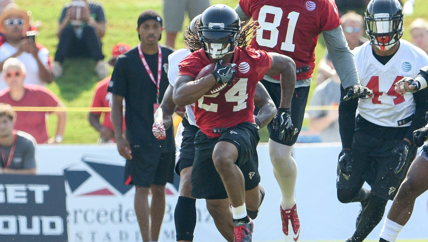 636368479062978398-usp-nfl-atlanta-falcons-training-camp