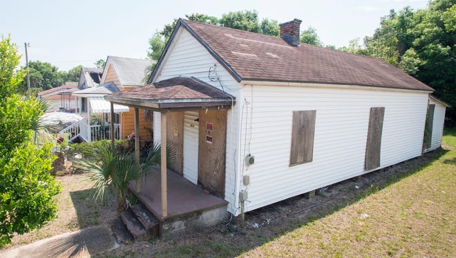 Turn-of-the-century home at 413 North B Street in Pensacola on Monday, May 14, 2018.  A pair of Pensacola residents have formed an organization called Pensacola S.O.S. dedicated to relocating historic structures that are slated for demolition.