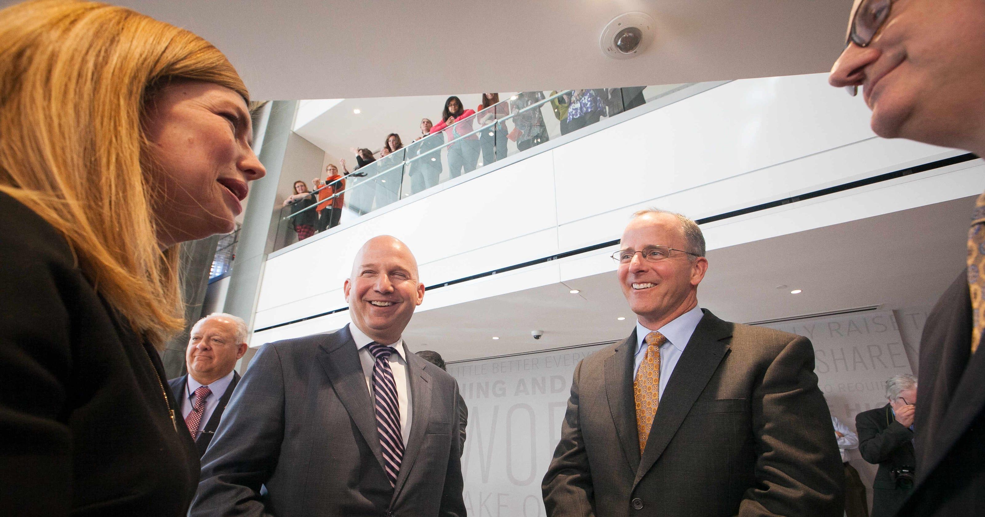 JPMorgan Chase adding 1,800 jobs