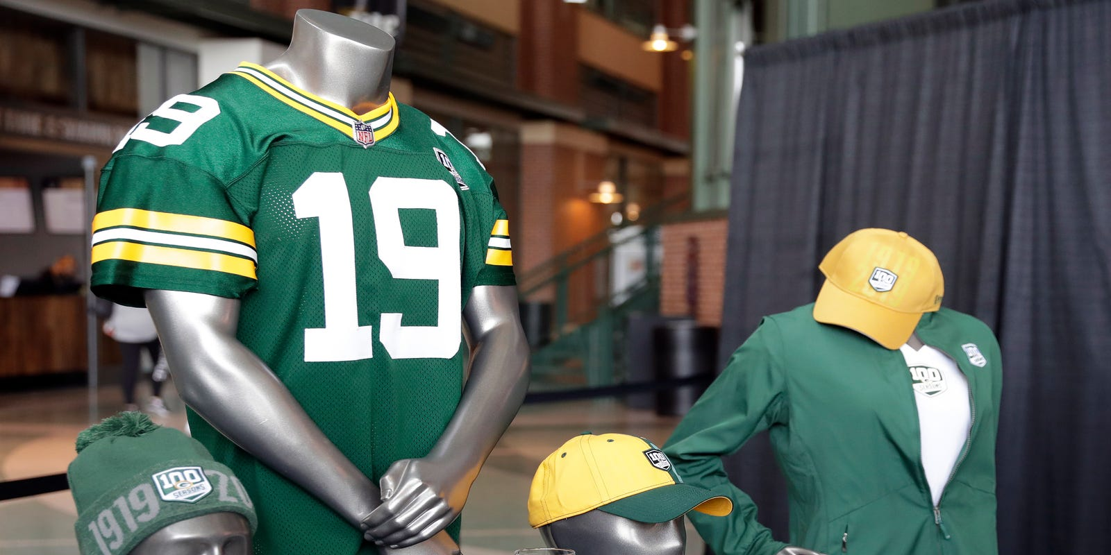 Packers' birthday plans include cupcakes, giveaways and signed grass seed