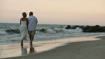 A new study suggests women set the pace when couples walk together