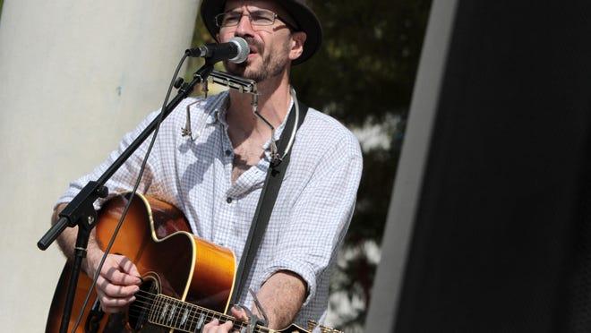 Jason Harrington will play at7:30 p.m. Friday at Blue Dog Cafe, 1211 W. Pinhook Road.