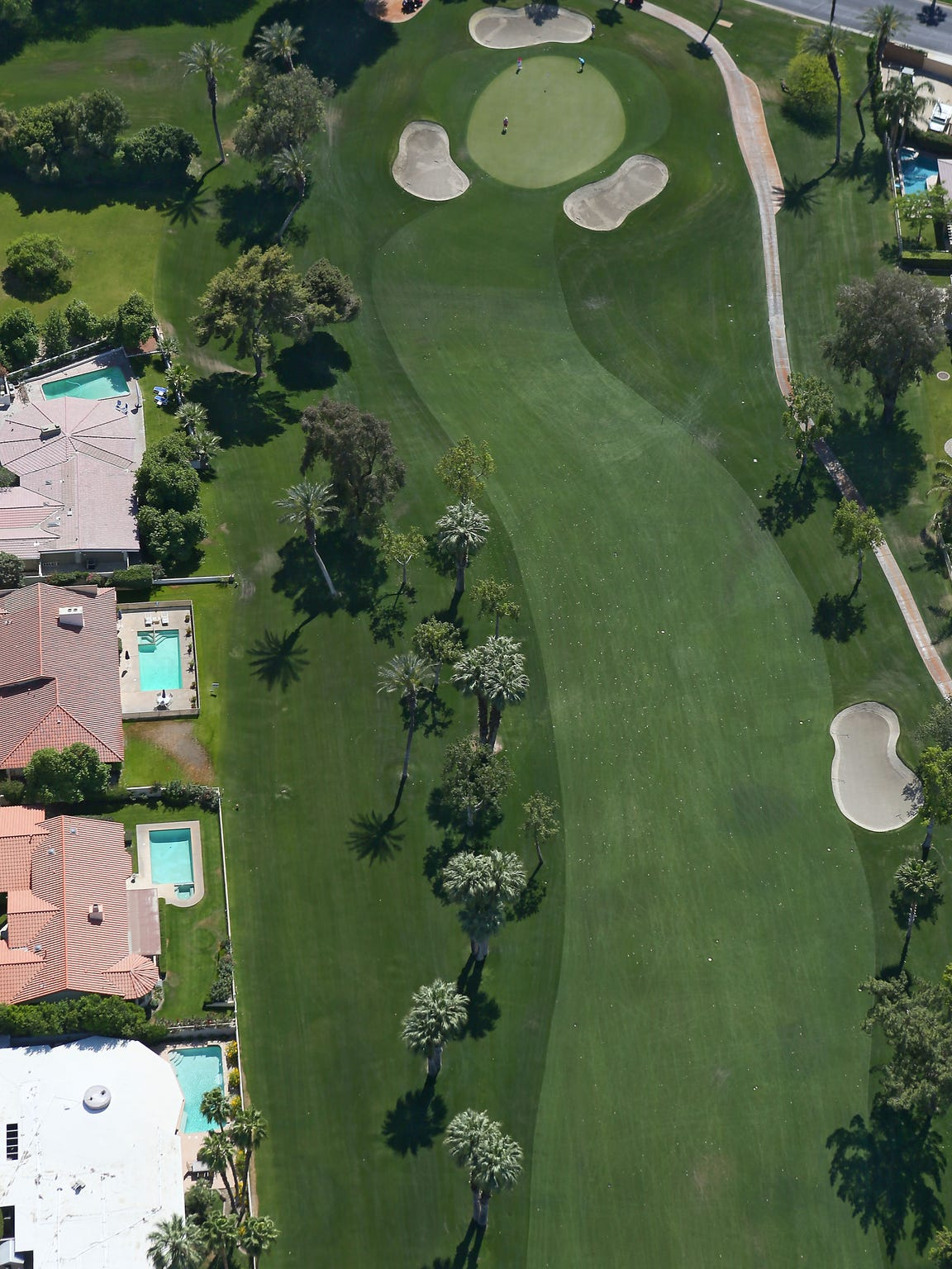 An aerial view of a Coachella Valley golf hole.