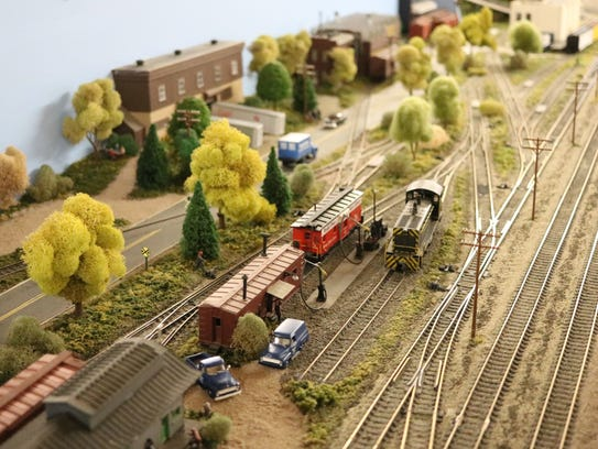 The Monroeville Model Railroad Group brought their