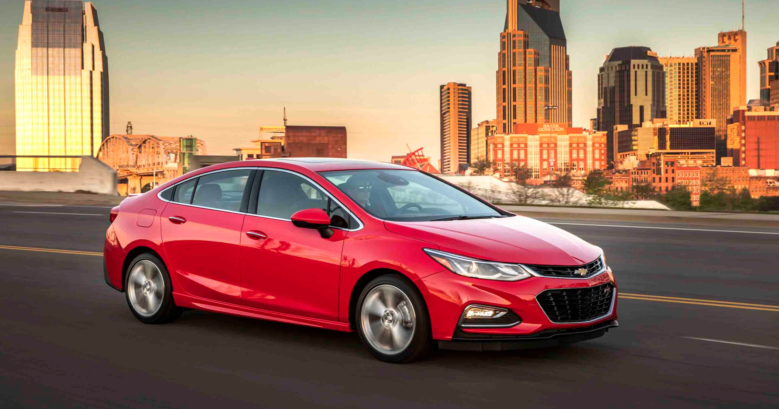 Review Chevy Cruze Challenges Compact Luxury Sedans