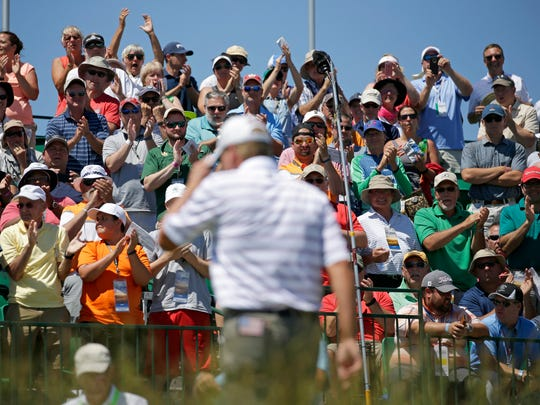 Steve Stricker gets a round of applause as he appears on the first tee Thursday in the first round of the U.S. Open at Erin Hills.