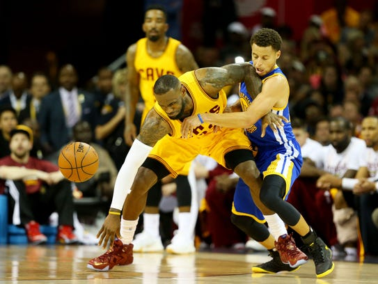 Stephen Curry y LeBron James vuelven a encontrarse