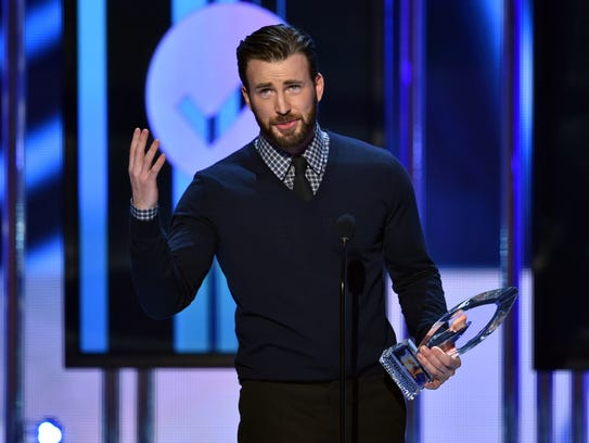 Chris Evans accepts the People's Choice Award for favorite