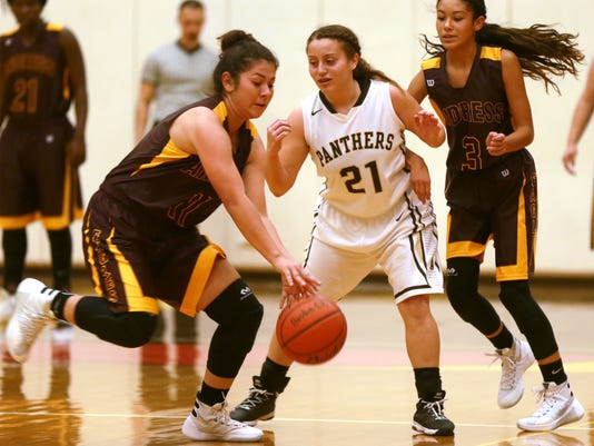 Main-Andress-Austin-Girls-Basketball 11-20-2015