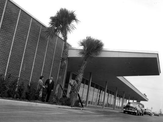 Airport 1961.jpg