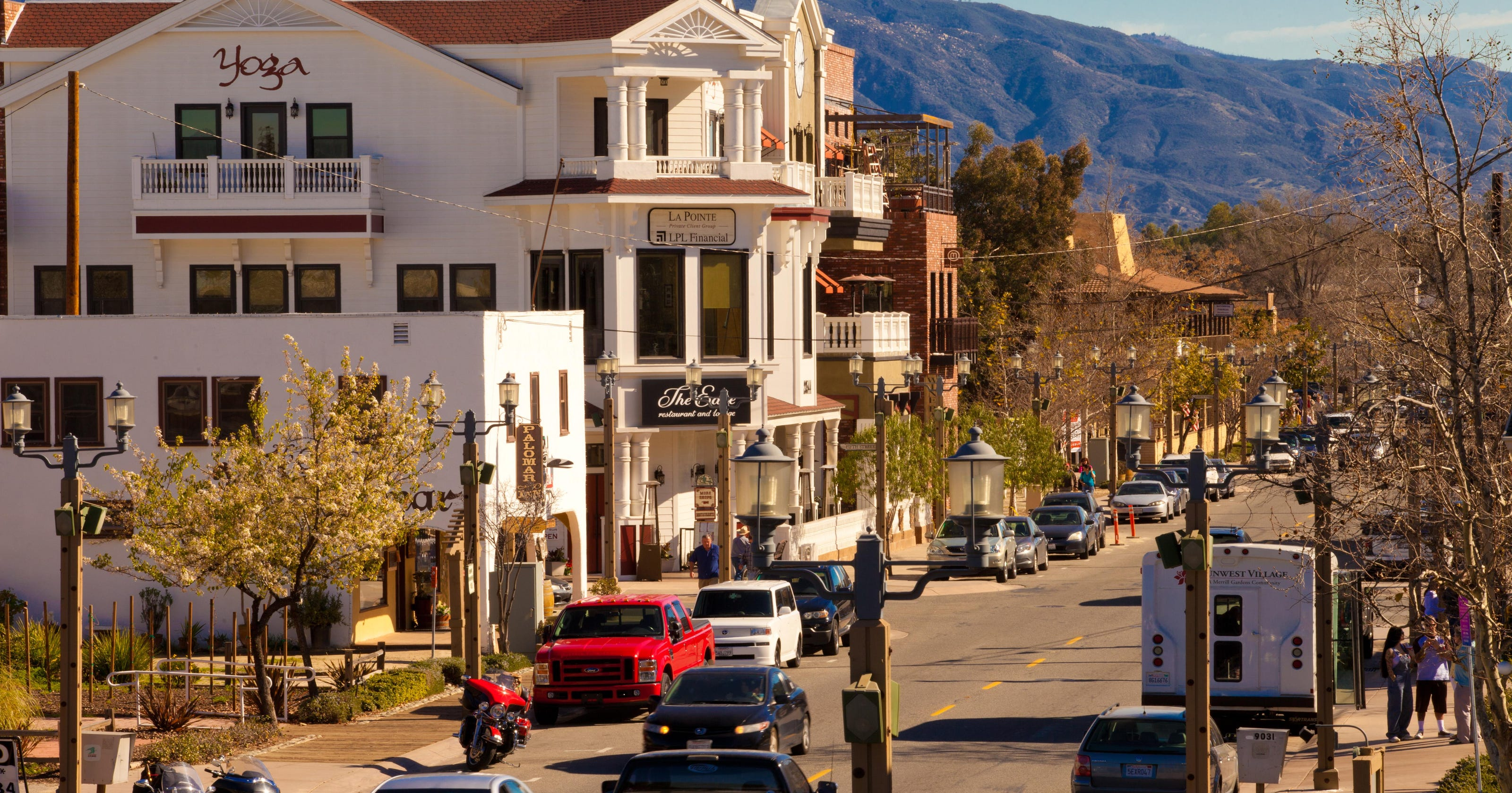 Walk, shop and dine in SoCal\'s best old towns