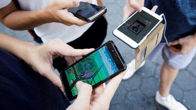 Detalle del videojuego 'Pokémon Go' en un teléfono inteligente en Union Square, en Nueva York (EE.UU.).