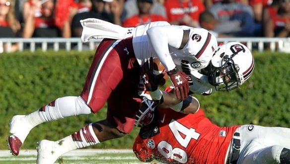 Greenville News South Carolina's Deebo Samuel (1) returns to lead the Gamecocks' receiving corps in 2016.