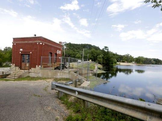 Friendship Lake District tries to take dam