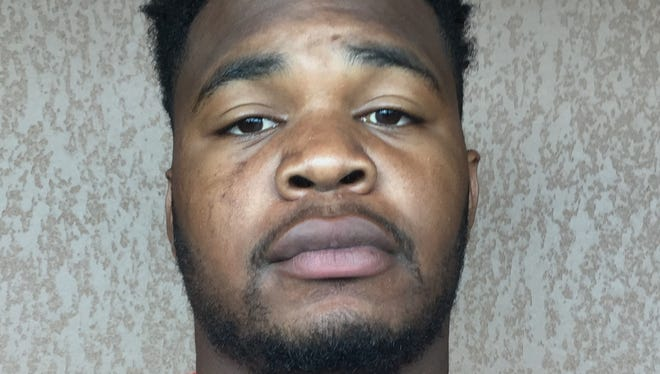 Nashville Christian defensive tackle Brant Lawless has committed to Tennessee.