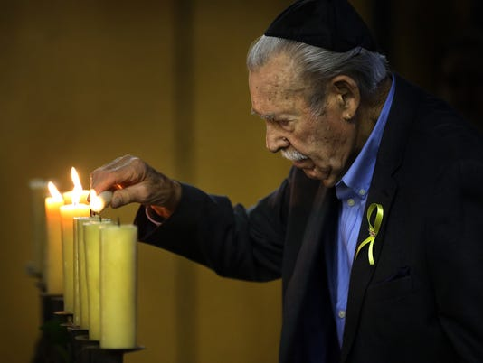 636594182712766029-MAIN-Holocaust-Remembrance.jpg