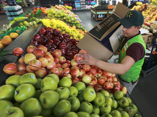 Walmart increases pay for its workers