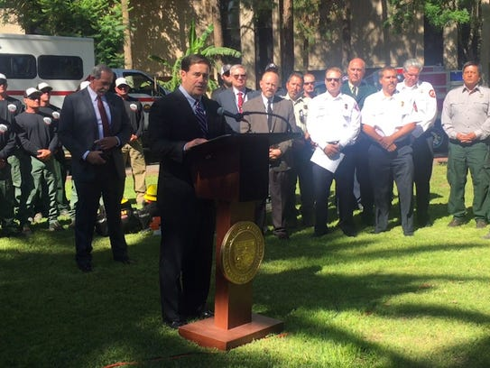 Gov. Doug Ducey speaks about 2016 wildfire season at