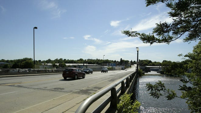 A city official says major work next year to repair the Pennsylvania Avenue bridge could shut down traffic across the Sheboygan River for months in 2019.