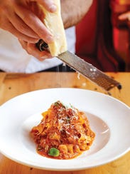 Hearty, flavorful: the pappardelle al ragu misto was