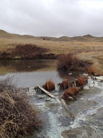 The hike to Sulphur Springs on the north shore of the Missouri River is 3.6 miles roundtrip.