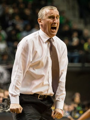 Feb 22, 2018: Arizona State Sun Devils head coach Bobby Hurley reacts after a call during the first half against the Oregon Ducks at Matthew Knight Arena.