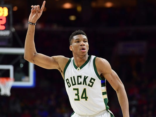 USP NBA: MILWAUKEE BUCKS AT PHILADELPHIA 76ERS S BKN PHI MIL USA PA