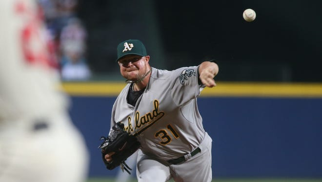 Jon Lester agreed to a six-year deal worth $155 million with the Cubs.