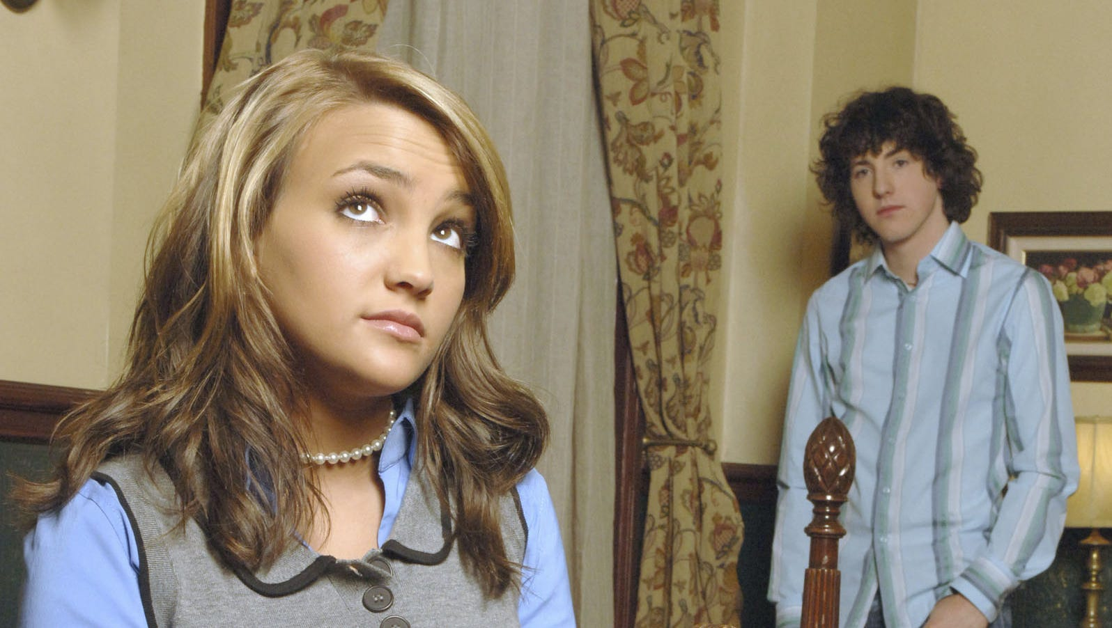 Here S What Went Into That Zoey 101 Time Capsule You Forgot Existed
