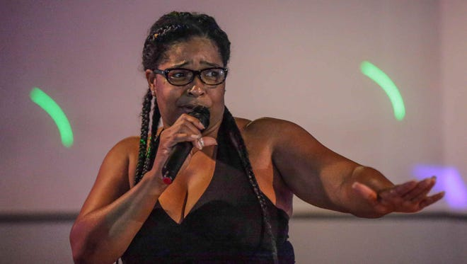 """Comedian Tonna Brewer performs at the Syllowett Club, during the """"Divas of Comedy, Girls Night Out"""" on Sept. 3."""