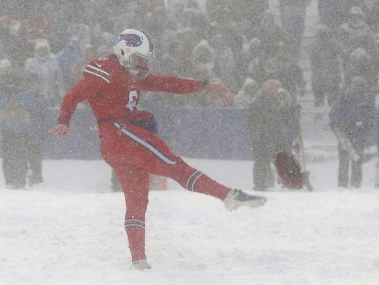 Bill punter Colton Schmidt punted 6 times.  Colts punter