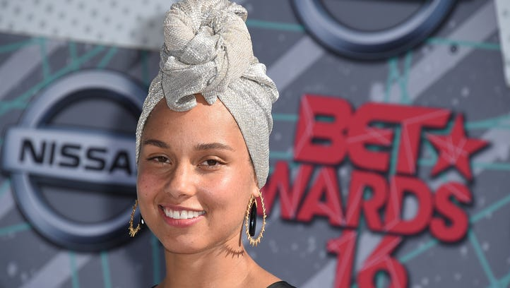 Alicia Keys goes makeup-free on the red carpet at the BET Awards on June 26, 2016, in Los Angeles.