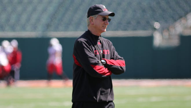 University of Cincinnati football coach Tommy Tuberville approves of an NCAA proposal to expand the meal allowance for all athletes.