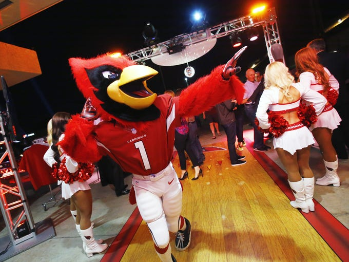 Arizona Cardinals mascot Big Red arrives for the Cardinals