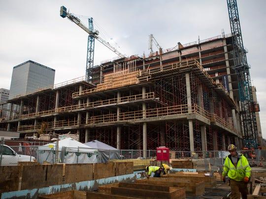 Omni Hotel being built in downtown Louisville.  Dec. 13, 2016