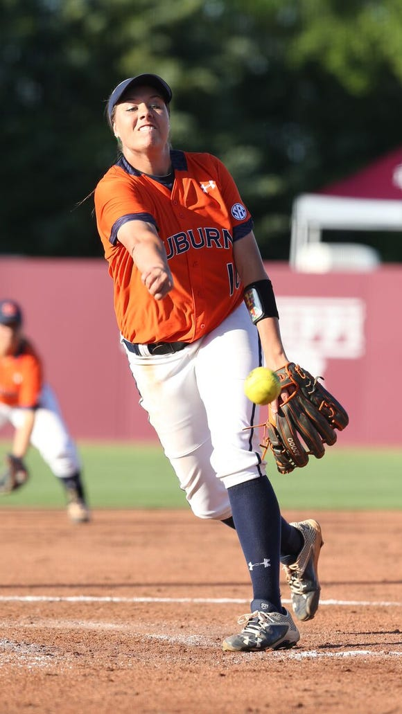 Auburn pitcher Kaylee Carlson throws a pitch during