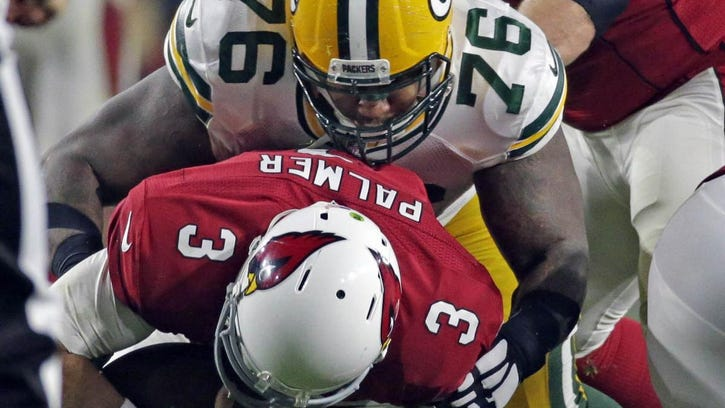 Packers defensive end Letroy Guion (98) signed a three-year, $11.05 million contract in February.