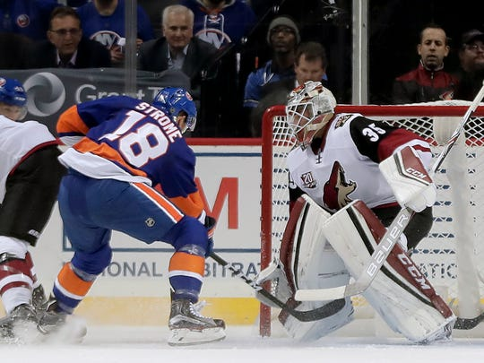 In his first game against his brother, New York Islanders right wing Ryan Strome (18) scored against Louis Domingue in the first period on Friday.