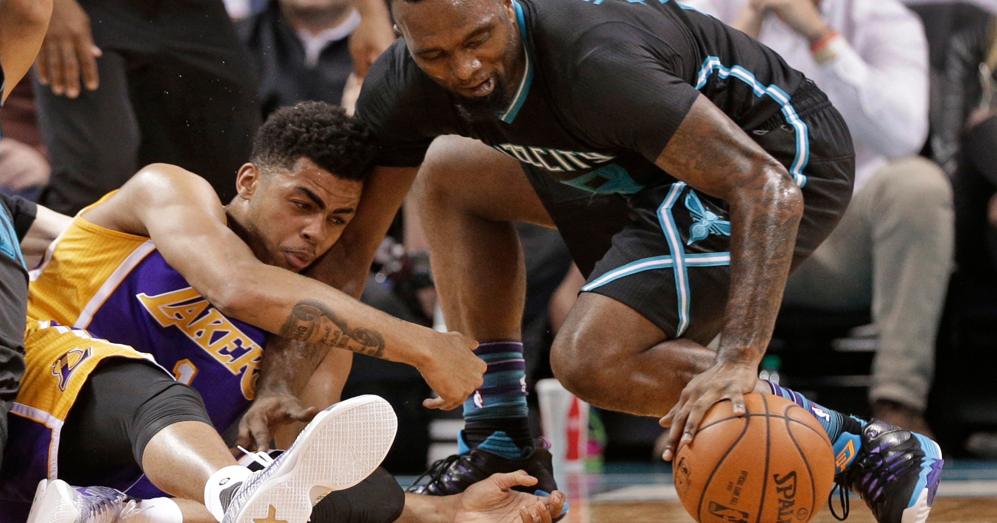 ef3b2a462a65 Walker s 38 points lift Hornets past Lakers