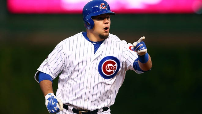 Kyle Schwarber powered another long home run, and the young Cubs overpowered  the veteran Cardinals.
