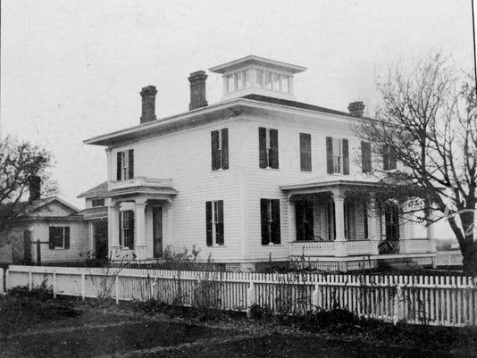 Senators Mansion historical 1